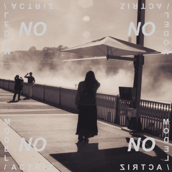 Model/Actriz - No
